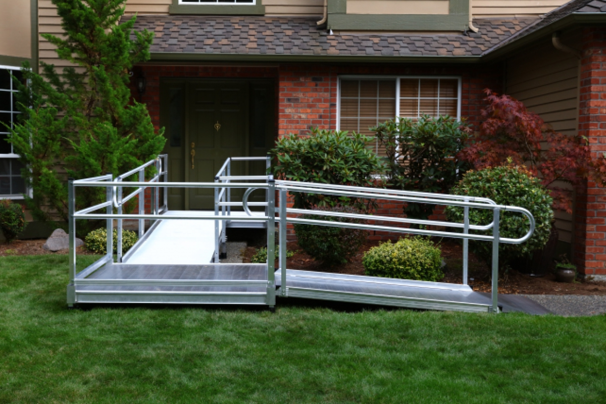 Ez access pathway modular wheelchair ramps ada compliant for Prefab wheelchair ramp