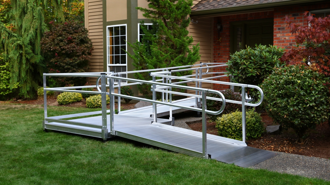 Ez access pathway 3g modular solid metal wheelchair ramp for Prefab wheelchair ramp