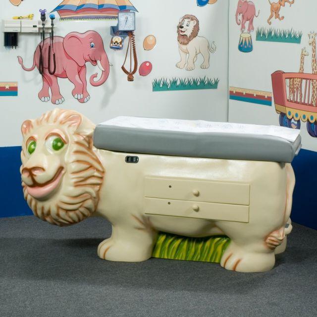 Lion Pediatric Examination Table Free Shipping