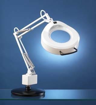 The 5 Best Magnifying Lamps 4