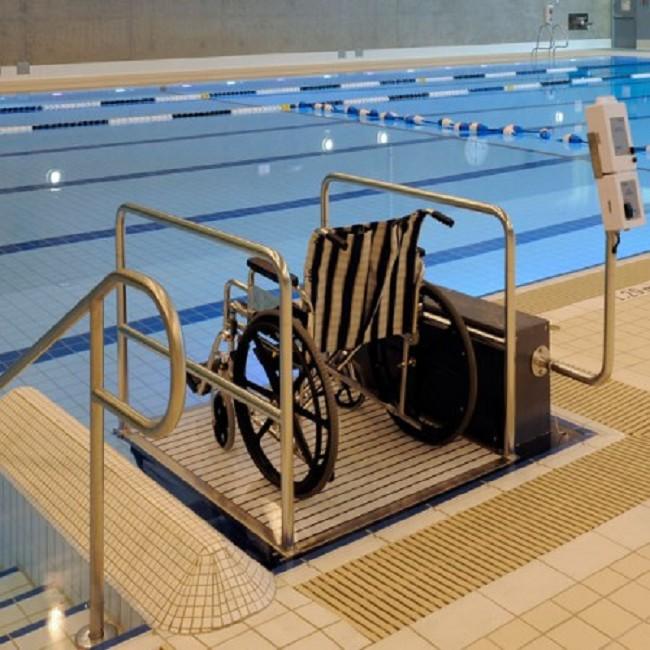 Glacier Platform Ada Compliant Swimming Pool Lift