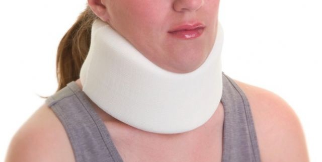 how to put on a soft neck brace