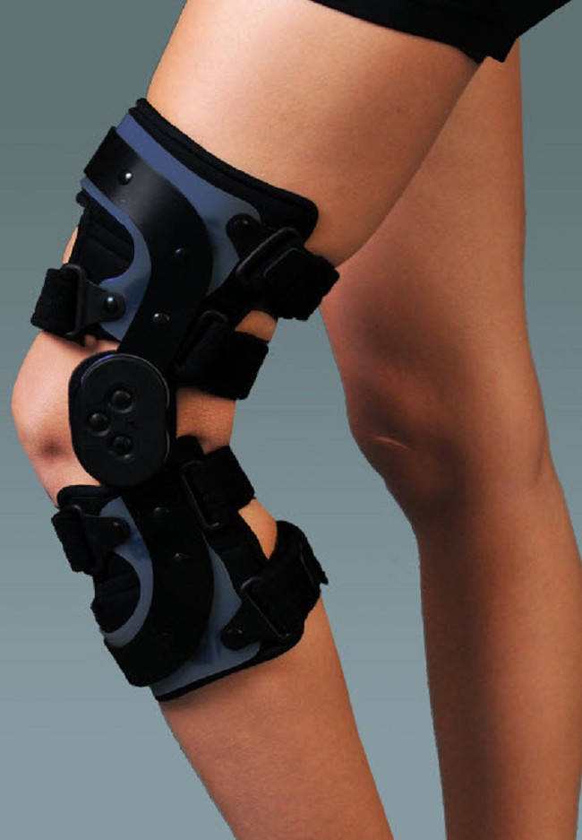 b7a260b191 Gladiator ACL Pro Knee Brace ON SALE - FREE Shipping