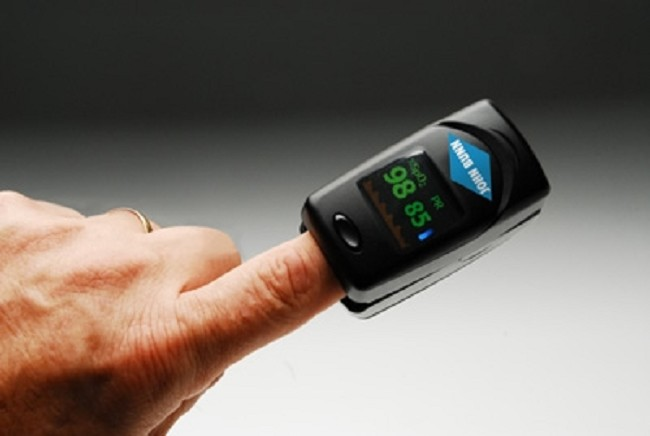 John Bunn DigiO2 Finger Pulse Oximeter